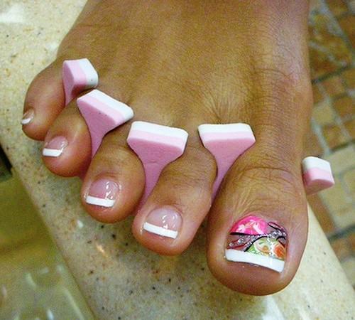 Красить ногти на ногах в домашних условиях