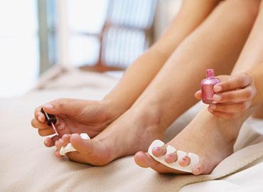 Как правильно красить ногти на ногах?