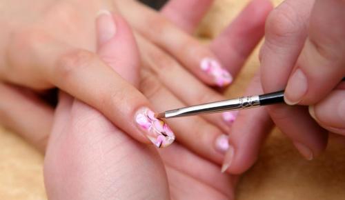 Роспись ногтей кистью и акриловыми красками